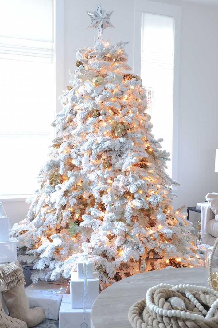 White Christmas Tree Design.A White Christmas Monika Hibbs