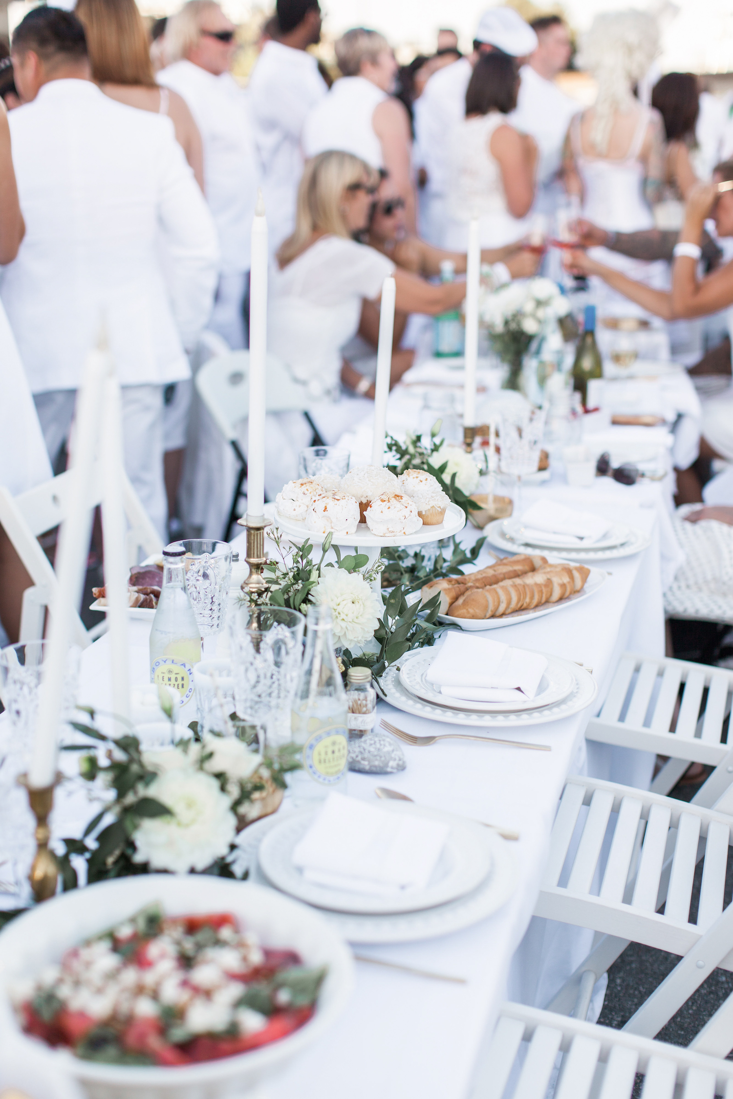 Diner en blanc monika hibbs for All white party decorations