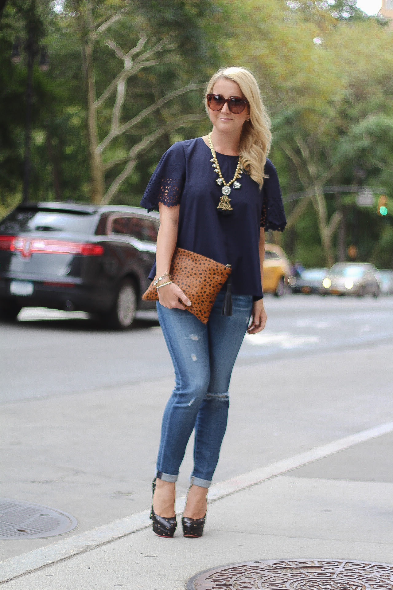 Ripped Jeans Leopard clutch