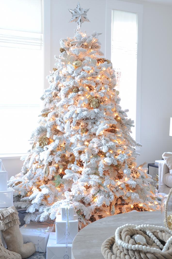 A White Christmas Monika Hibbs