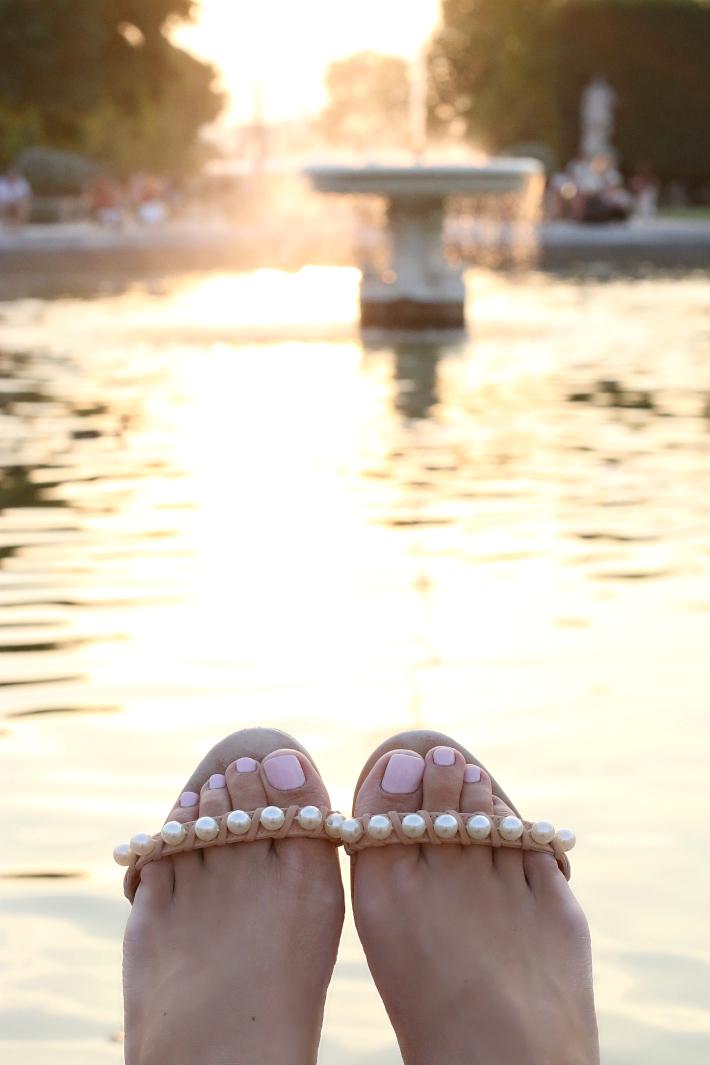 Paris Tuileries Garden Fountain Pearl Sandals